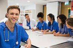 Ein Medizinstudium in Europa bietet viele Karrieremöglichkeiten