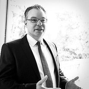 Anwalt bietet kompetente Hilfe bei Gesellschafterstreit im Familienunternehmen