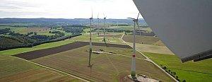 Windkraft als Geldanlage: Investoren können von staatlich geförderten Einspeisetarifen profitieren. Erfahren Sie hier mehr darüber!